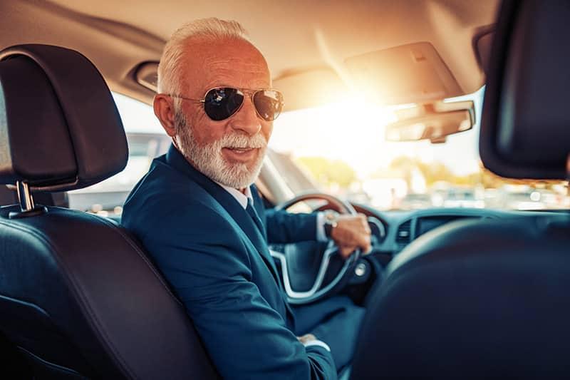 Senioren Fahrtüchtigkeit - wie kritikfähig sind ältere Autofahrer?